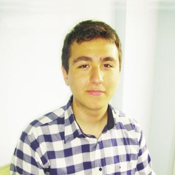 Deniz Ertürk, öğrenci